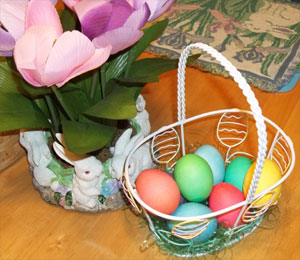 Hard-boiled eggs for Easter decorating: Do it the right way!